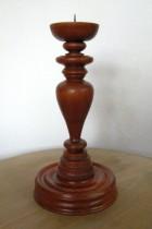 Výrobek: Dřevěný svícen - červenohnědý