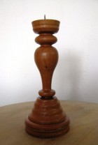 Výrobek: Dřevěný svícen - hnědý
