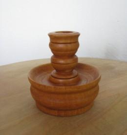 Obrázek výrobku: Dřevěný soustružený svícen - světle hnědý