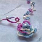 Výrobek: Barevná růže - náhrdelník