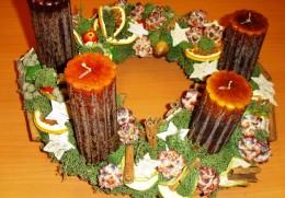 Obrázek výrobku: Adventní věnec - medové svíce