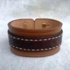 Výrobek: Ručně řezaný a šitý kožený náramek z pravé kůže5, široký 4cm