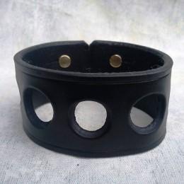 Obrázek výrobku: Ručně řezaný kožený náramek2 , barva černá