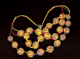 Obrázek výrobku: Duhové korále na 3 barevných šňůrkách