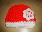 Výrobek: Dětská háčkovaná čepice - červeno-bílá