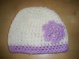 Obrázek výrobku: Dětská háčkovaná čepice - bílo-fialová