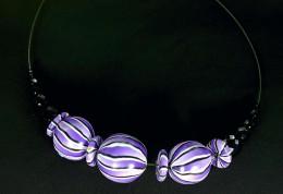 Obrázek výrobku: Fialovobílé koule na obruči