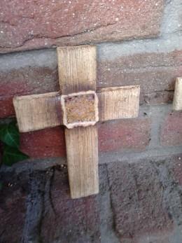 Obrázek výrobku: Kříž s roztaveným sklem, 18 cm