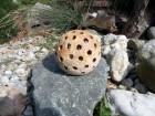 Výrobek: Koule malá, dírovaná, 8 cm