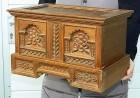 Výrobek: Dřevěná vyřezávaná truhla