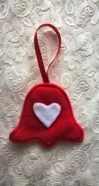 Výrobek: Vánoční ozdoba - zvonek se srdíčkem