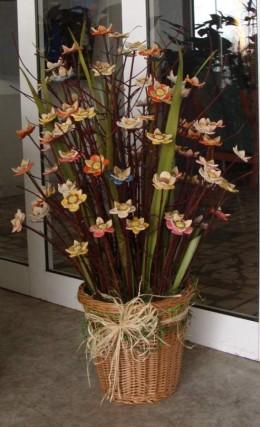 Obrázek výrobku: Keramické barevné květy v nádobě