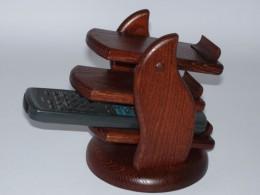 Obrázek výrobku: Třípatrový stojan na dálkové ovládače-mořený hnědý buk