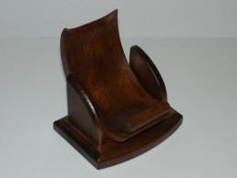 Obrázek výrobku: Dřevěný stojánek na mobil - buk mořený - tmavě hnědá - plohovatelný