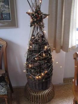 Obrázek výrobku: Stromek z proutí a borovicových šišek