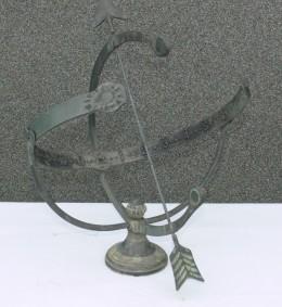 Obrázek výrobku: Velké mosazné zdobené sluneční hodiny