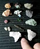 Výrobek: Konvolut-směska pár vzácných i běžných minerálů z celého světa