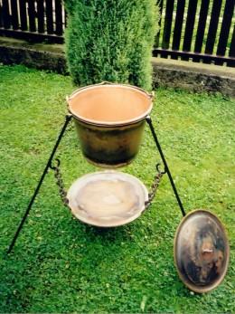 Obrázek výrobku: Měděný kotlík s podstavcem  objem 19 l