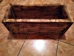 Obrázek výrobku: Opalovaný dřevěný truhlík