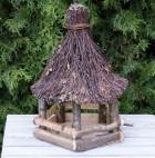 Výrobek: Krmítko pro ptáky s proutěnou střechou