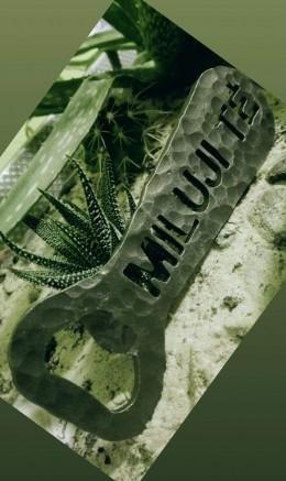 Obrázek výrobku: Kovaný otvírák na pivo - Miluji Tě