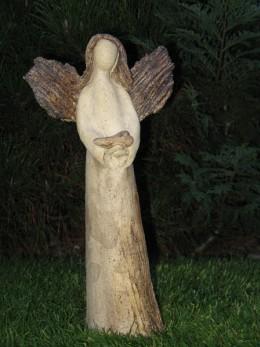 Obrázek výrobku: Anděl se srdcem - střední, 29 cm