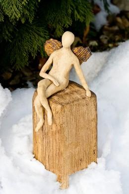 Obrázek výrobku: Anděl na keramickém kvádru, 28 cm