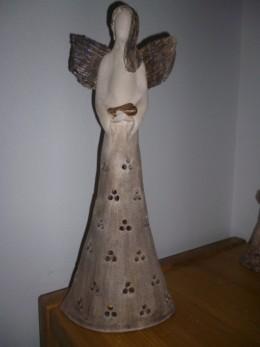 Obrázek výrobku: Anděl se srdcem, velký dírkovaný, 41 cm