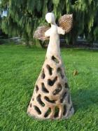 Výrobek: Anděl velký se širokou dírkovanou sukní, 42 cm