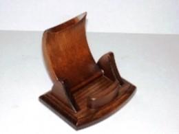 Obrázek výrobku: Dřevěný stojánek na mobilní telefon - sklopný - buk - hnědý