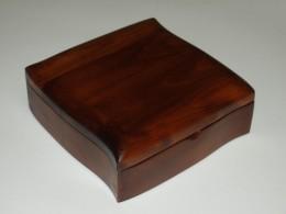 Obrázek výrobku: Šperkovnice - tvarovaná - třešeň - hnědá