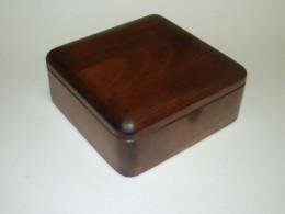 Obrázek výrobku: Šperkovnice - zaoblená - třešeň - hnědá