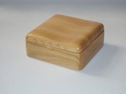 Obrázek výrobku: Šperkovnice - tvarované víko - třešeň