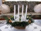 Výrobek: Svícen s bílými svícemi
