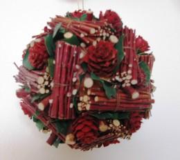 Obrázek výrobku: Vánoční koule z přírodnin - barva vínově červená