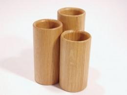 Obrázek výrobku: Stojánek na kancelářské výrobky2 - trojválec - dub