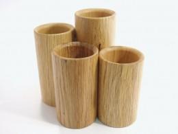 Obrázek výrobku: Stojánek na kancelářské potřeby3 - čtyřválec - dub, barva přírodní