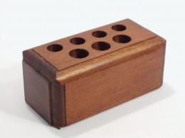 Obrázek výrobku: Stojánek na psací potřeby - buk, povrch mořený a lakovaný