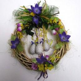 Obrázek výrobku: Velikonoční věnec s fialovými květy