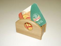 Obrázek výrobku: Dřevěný stojánek na pivní tácky - přírodní dub
