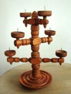Výrobek: Dřevěný svícen soustružený - několikaramenný - barva rezavě hnědá