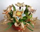Výrobek: Keramické květiny v menší nádobě